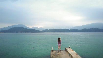 Phoebe Miu taking photo on jetty at Sharp Island | Hiking on Sharp Island in Hong Kong | Hong Kong Travel Video | Shorts | ANYDOKO